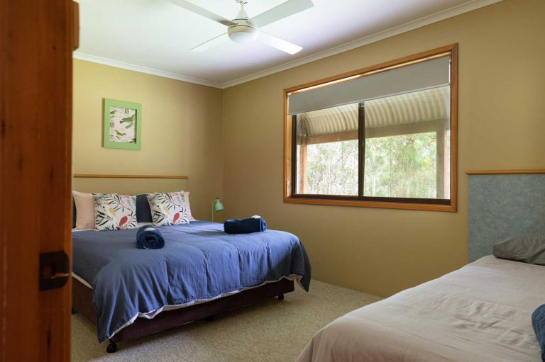 Chardonnay Cottage Queen Bed and Single bed | Hunter Hideaway Cottages - Hunter Valley