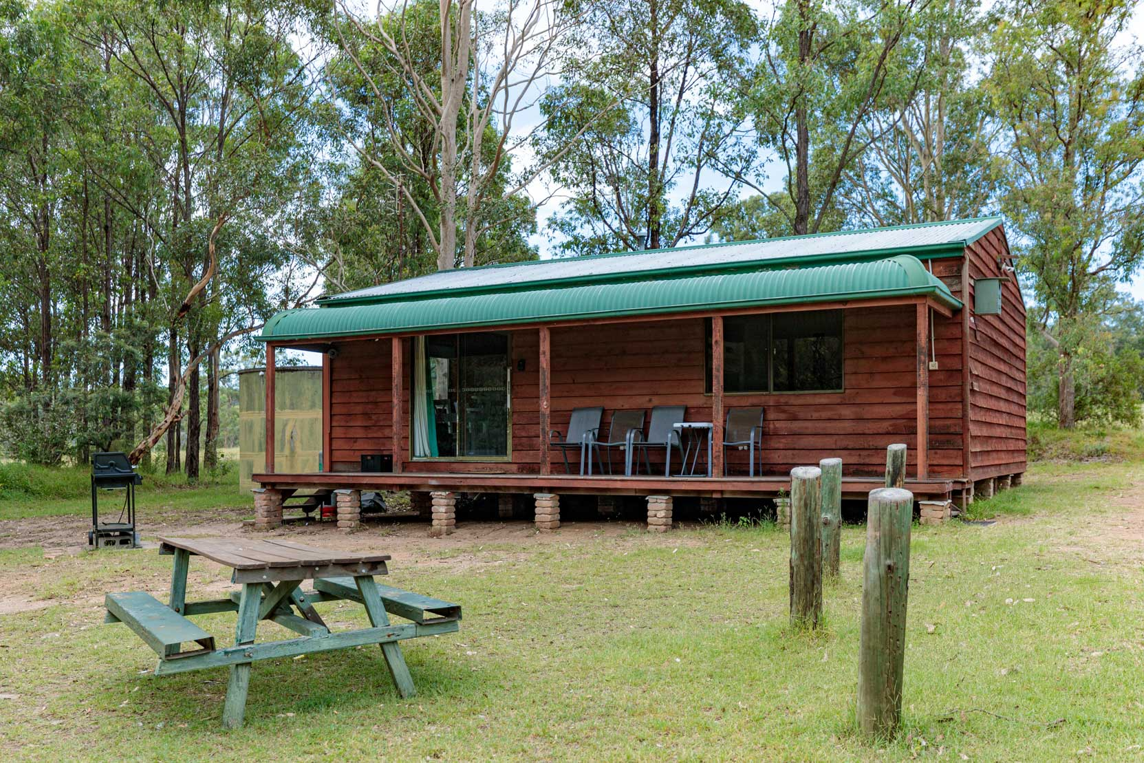 Outdoor BBQ, Hermitage Cottage | Hunter Hideaway Cottages - Hunter Valley