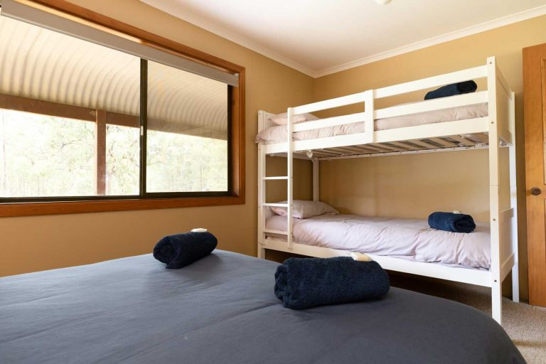 Hermitage Cottage Queen Bed with single Bunk Bed | Hunter Hideaway Cottages - Hunter Valley